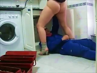 She Is Grateful To A Plumber And Gives Him A Blowjob
