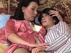 Mommy And Not Daughter Fingerfuck Free Porn 0a Xhamster