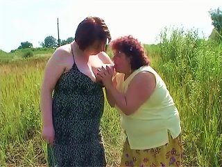 Fat Cynthia And Gaborne  And Finger Their Pussies Outdoors