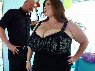 Bbw Lexxxi Luxe Enjoys Pussy Fucking After Sucking Dick