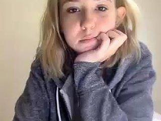 Hairy Teen Fingering Drtuber