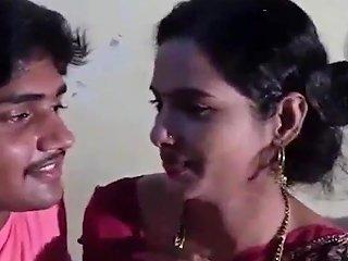 Desi Bhabhi Ne Pati Ke Jane Par Call Karke Bulaya Boyfriend