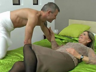 After Pussy Licking Milf Pasztor Zsuzsana Wants To Reach Orgasm