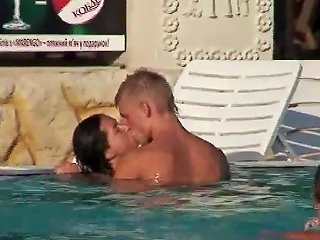 Sex In A Public Swimming Pool Free Iphone Sex Porn Video D7