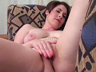 Gorgeous Natural Titties On A Short Haired Solo Temptress