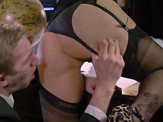 Busty Blonde Milf Rebecca Moore Has Fun With Boy Toy Sunporno Uncensored