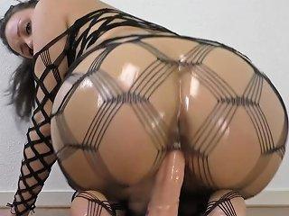 Big Oiled Ass Rides A Dildo Txxx Com