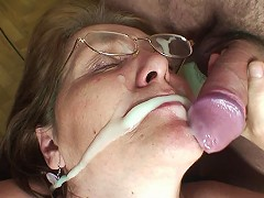 free video Lots of cum on mature