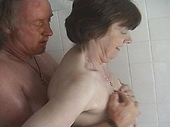 free video A chubby housewife is picked...