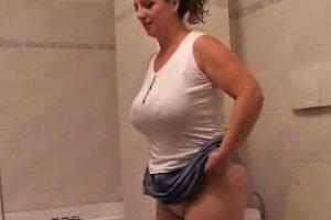La Granny Et Le Plombier Mature Mature Porn Granny Old Cumshots Cumshot