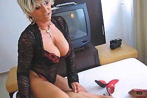 Best Mature Makes Handjob Free Mature Handjob Porn Video 1a