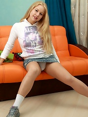 Nubiles.net Gaga - Horny babe Gaga loves to spreads her tight pussy on the sofa
