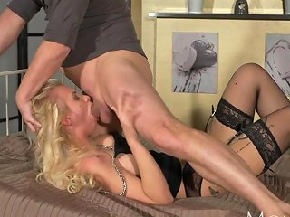 Mom Wild Blonde Gets The Deepthroat And Submissive Rough Sex
