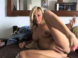 Mature Mom With Big Boobs Fucks A Dildo Drtuber