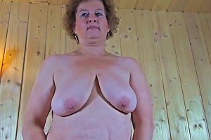 Bombastic Cougar Still Enjoys In Showing Her Pussy To The Camera