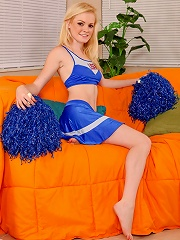 Nubiles.net Brie Turner - Cheerleader masturbates with a magic wand after practicing her routine