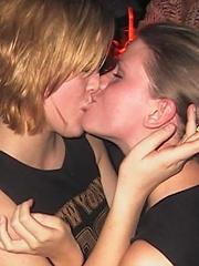 girls kissing megamix 50