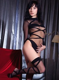 Knockout Iva Looks Ravishing In A Form-fitting Black Number