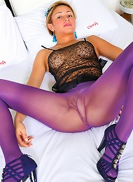 Pantyhose clad shemale cock ...