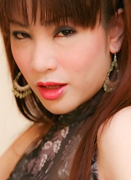Bold Asian t-girl New gets a...