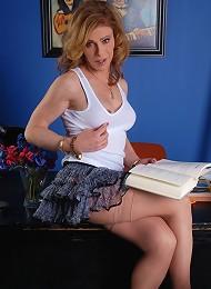 Transsexual teacher in need ...