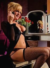Irresistible TS babe seducing in hot sexy stockings